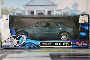 Maisto Chrysler 300c 1:18 scale. ** Please read item description**