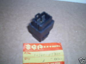 nos suzuki GS650 XN85 turbo fuse box assembly 36740-09300