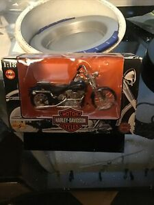 Maisto Harley Davidson 1997 FXSTS Springer Softail 1:18 scale NEW IN PACKAGE