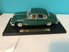"Maisto ""JAGUAR MARK II 1959""  1/16 Scale Forrest Green Toy Car."