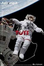 BLITZWAY BW-SS-20201 ASTRONAUT 1/4 SCALE SPACEWALK STATUE ISS EMU VERSION Preord