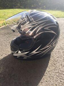 Aria motorcycle crash helmet large