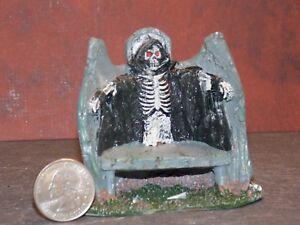 Dollhouse Miniature Halloween Grim Reaper Bench 1:24 scale E66 Dollys Gallery