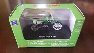 NIB New-Ray Kawasaki KX250 dirtbike motocross motorcycle 1:32 diecast model toy