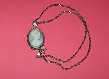VINTAGE STERLING SILVER AND CARVED AGATE CAMEO NECKLACE