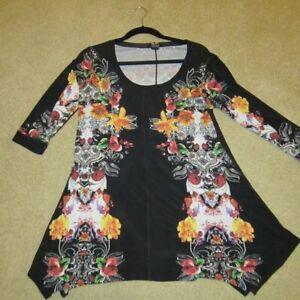 eva varro flower print tunic size XL with irregular hem