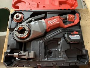 MILWAUKEE M18 FUEL CORDLESS PIPE THREADER W/ ONE KEY - 2874-20 - USED