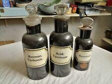 Lot de 3 anciens bocaux de pharmacie verre blanc peint en brun complets et bel é