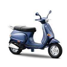 Maisto 1:18 Diecast Vespa Scooters (Colours And Styles May Vary)
