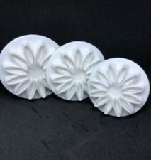 Set of 3 Flower Shape Fondant Cutters by Kleeneze - Brand New