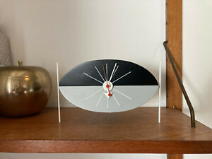 original George Nelson Tisch Uhr Vitra Design Museum table clock