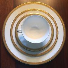 Vintage Royal Doulton Royal Gold H4980 Fine China 5 Piece Place Setting EUC