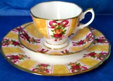 Royal Albert OLD COUNTRY ROSES RUBY CELEBRATION GOLD DAMASK Bone China Cup Trio