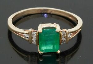 14K gold elegant 1.12CTW diamond/6.3 X 5.1mm emerald cocktail ring size 7
