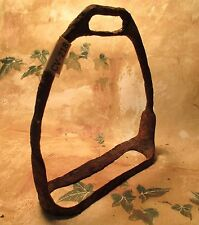 Antique DUG UP US MILITARY IRON Very Rusted Single Saddle Stirrup  MAKE OFFER