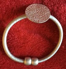 Bracelet Single Strand Leather with Scratched Circle Magnetic Clasp - Brc 11A