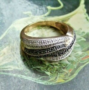 VINTAGE 9ct GOLD RING SET WITH 90 BLACK + WHITE DIAMONDS UK SIZE R man or woman
