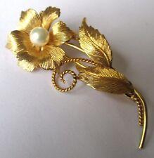 Ancienne broche bijou vintage fleur couleur or perle épingle à pompe 466