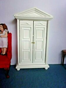 WHITE CABINET/ CUPBOARD  -  DOLL HOUSE MINIATURE