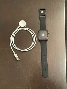 Apple Watch Series 4 Watch 44mm Stainless Steel Cellular + GPS Used