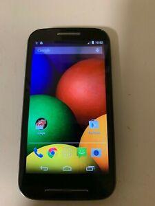 Tracfone W. Motorola Moto E XT830C   4GB used in good conditions, FREE Bundle