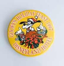 Disney DLR Disneyland Hotel Goofy's Thanksgiving Holiday Feast 1997 Button