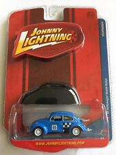 Johnny Lightning '65 1965 VW Volkswagen Beetle Rallye Blue With Cover 1/64 Scale