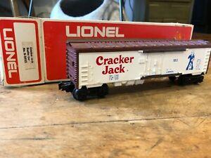 Lionel - Cracker Jack (White) Billboard Reefer Car - No. 6-9853 - O Gauge