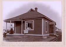 WOMEN TENNIS RACKET UNION JACK FLAG GUITAR HOUSE  & ORIGINAL ca 1890's PHOTO