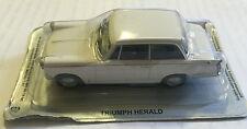 "DIE CAST "" TRIUMPH HERALD "" AUTO DE L'' EST SCALA 1/43"