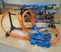 Hot Wheels Triple Track Twister Track Set Playset With 3 Cars Car Shooter Toy