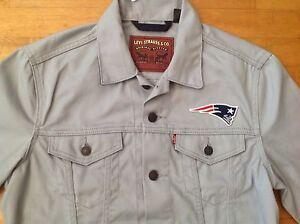 New England Patriots  Levi's Men's Gray Jean/Denim NFL Jacket Size Medium