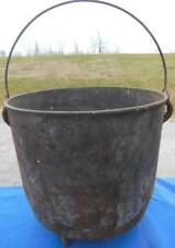 ANTIQUE FOOTED CAST IRON POT BEAN KETTLE CAULDRON COUNTRY PRIMITIVE COOKWARE #5