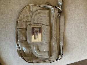 Small and authentic guess handbag, never used and it perfect condition!