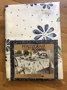 Pfaltzgraff Springwood Fabric Tablecloth 52 x 70 Oblong