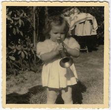 PHOTO ANCIENNE - ENFANT MUSIQUE TROMPETTE JOUET - CHILD FUNNY - Vintage Snapshot