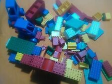 Gioco  grandi costruzioni VINTAGE no LEGO circa 1,5 KG CON 2 MACCHININE