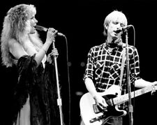 Tom Petty and Stevie Nicks UNSIGNED photo - K9375 - Legendary singer-songwriters