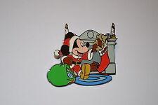 Disney Shopping.com HAPPY HOLIDAYS MICKEY MOUSE Pin Santa Stocking LE 250