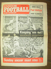 INSIDE FOOTBALL AND STRIKER MAGAZINE FEBRUARY 9th 1974 PETER SHILTON - LEICESTER