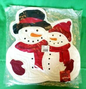 2 Yuletide Placemats by St. Nicholas Square-Brand New, in Wrapping