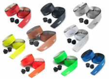 Composants et pièces de vélo rouge en cuir