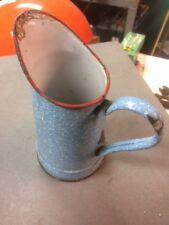 ancienne petit broc  verseuse emaillée -bleu et blanc  s105