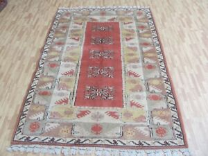 A LOVELY OLD HANDMADE MILAS TURKISH RUG (195 x 120 cm)