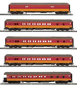 HO MTH Milwaukee Road 5 Car Heavyweight Passenger Set for 2 Rail Track 80-40010