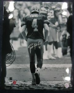 BRETT FAVRE Signed / Autographed 16x20 Tunnel Green Bay Packers BF Hologram COA