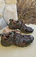size 10 green and brown mens north face trail hiking shoe