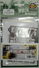 Ratio 234 LEVEL CROSSING WITH GATES  'N' gauge Plastic Kit