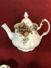 ROYAL ALBERT OLD COUNTRY ROSE LARGE  TEA POT  Excellent First Quality