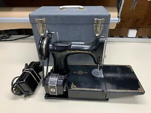 Vintage 1950 Singer Featherweight 221 Sewing Machine With Case Foot Pedal